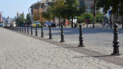 Stalp delimitator din fonta - Popici stradali